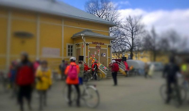 Taide-elämyksiä ja pyöräilyniloa