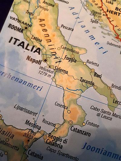Maisemamatkalla Napolinlahdella, Voimapuu