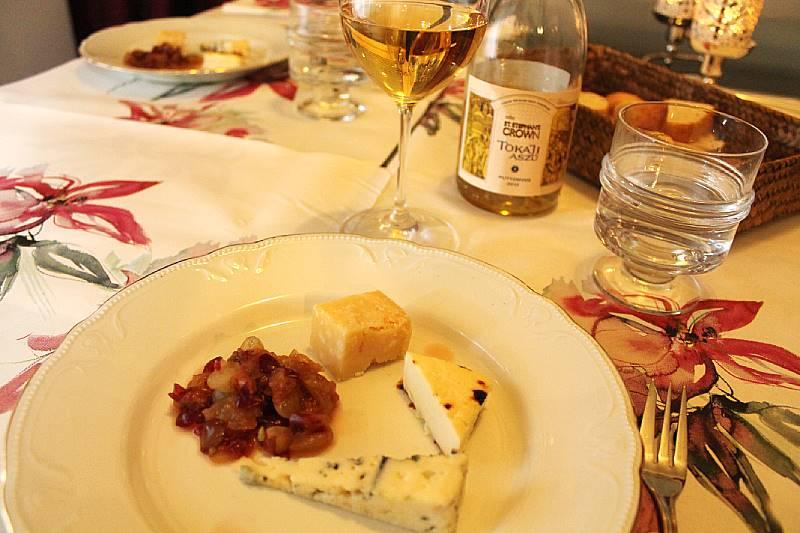 maistelumenu – kasviskakkua, chorizoa, pihviä ja juustoja, Voimapuu