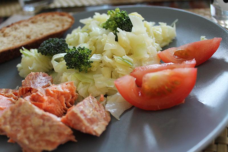 Kaalisalaattia 60-kuvun tapaan, Retroruokaa, Voimapuu